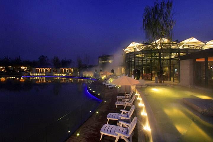 温泉度假村有那些?国内十大热门温泉度假村--北京春晖园温泉度假村