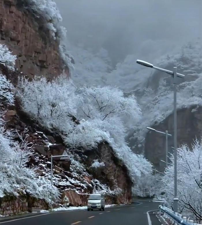 冬天的太行山 雾凇雪景美不胜收3