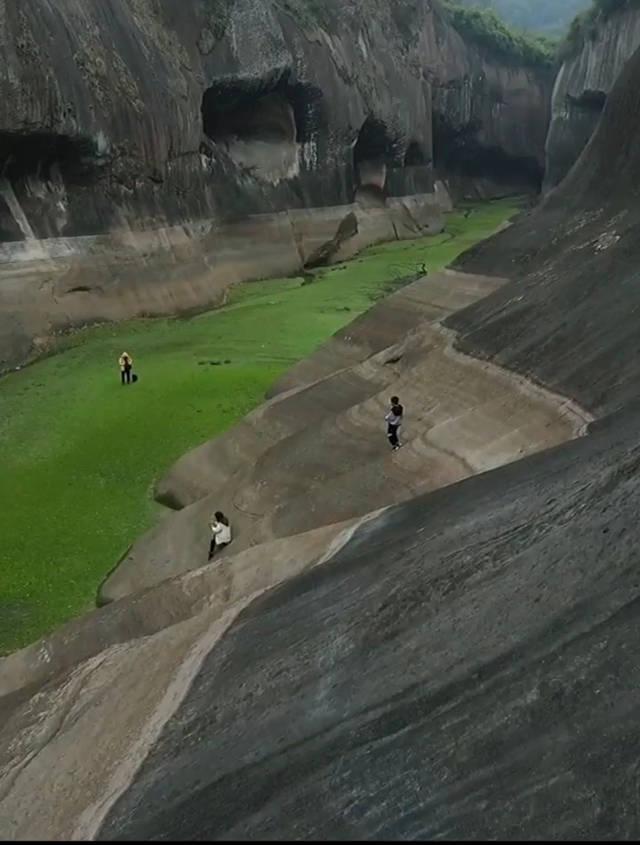 2021年永兴双桥水库的水位降到最低了,隐藏的美景都露出来了!