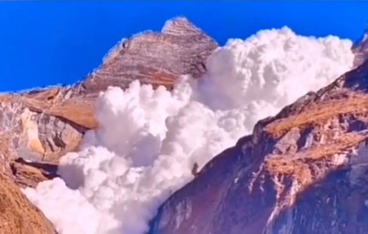 """尼泊尔的""""云崩""""是真的吗?答案:是假的,但也是真的"""