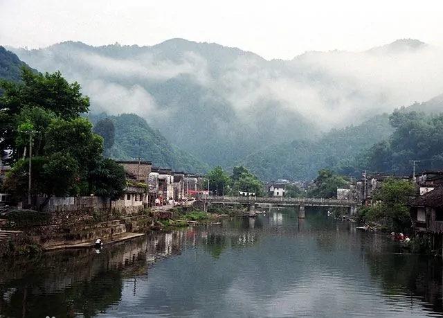 中国四大古镇3、江西的景德镇