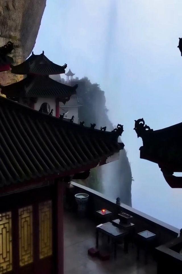 带你去看神奇的世界:以瀑布为纱帘的寺庙--福建悬空寺2