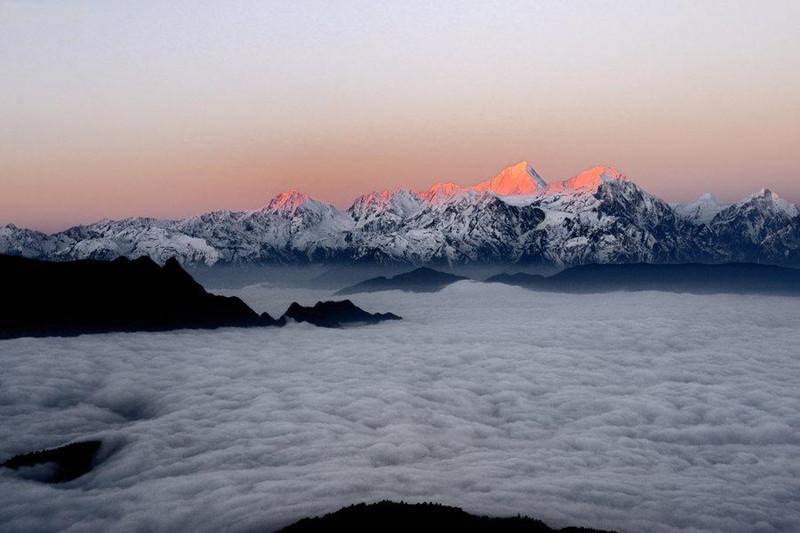 带你去看美丽的风景:牛背山云海的壮美