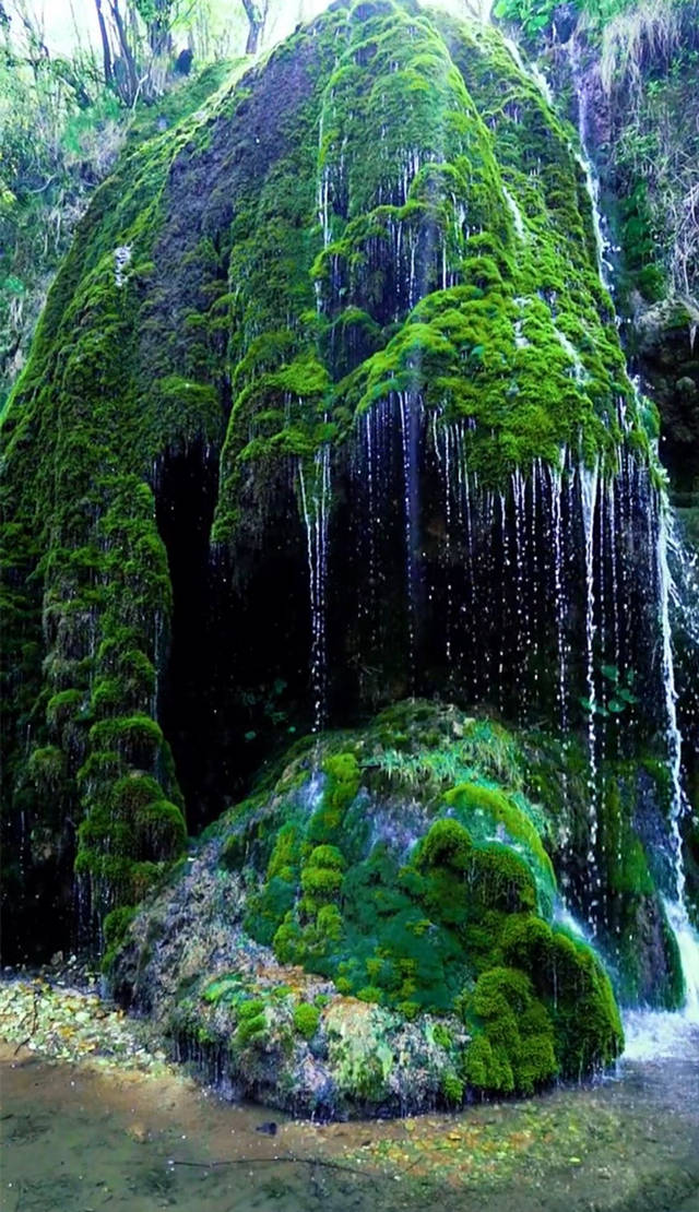 带你去看微景观:重渡沟水帘仙宫洞口瀑布2