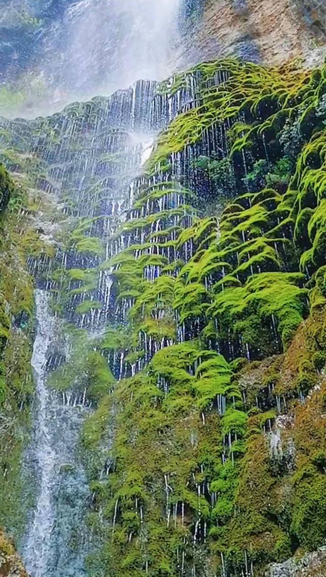 带你去看美丽的风景:淅沥沥的湖南八仙过海瀑布