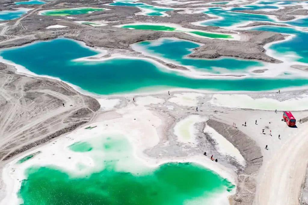 察尔汗盐湖--翡翠湖
