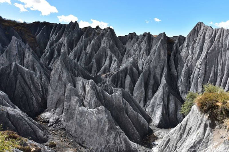 中国7个最像外星球的地方3、川西墨石公园