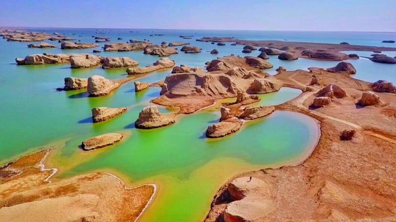 中国7个最像外星球的地方7、青海水上雅丹