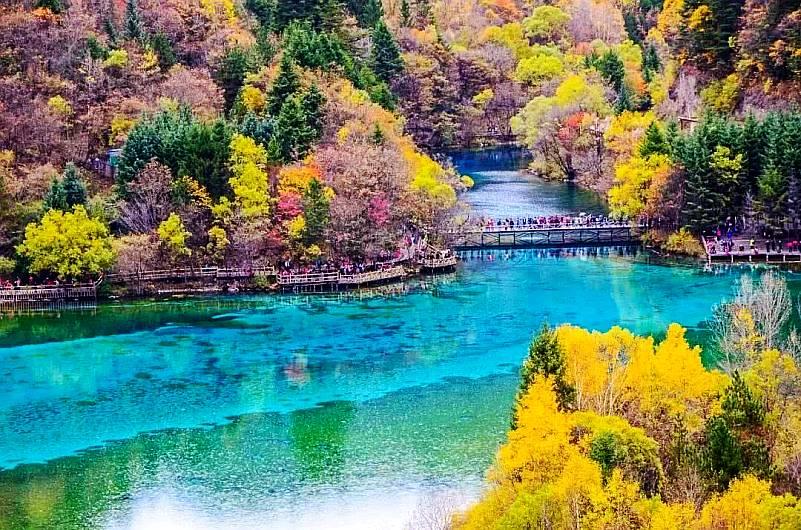 中国十大人间仙境2、水景之王,神奇迷人的童话世界--九寨沟