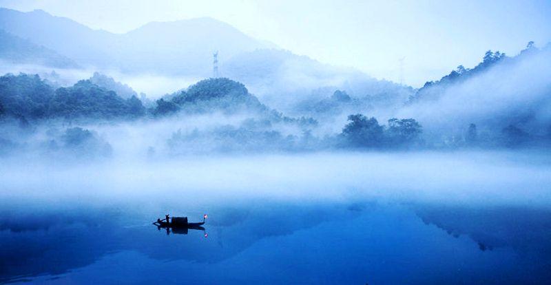 中国十大人间仙境 8、烟雾弥漫,一舟一叟一网的如画美景--小东江